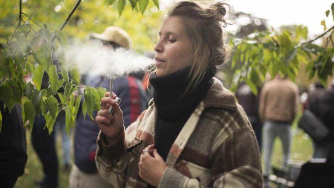 Canada legal weed struggle