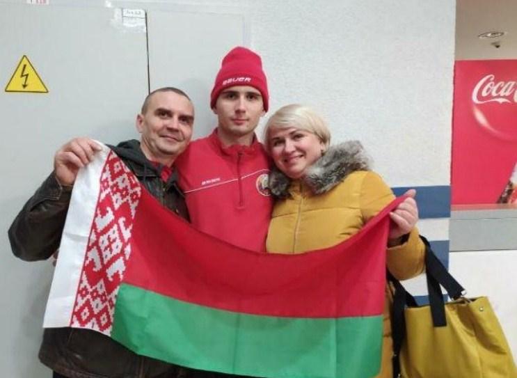 Ilya Usov with fans